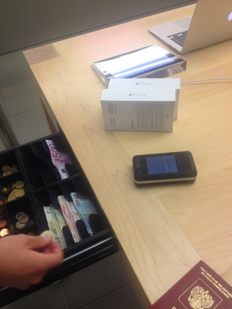 Покупка iPhone 6 Plus в Apple Store