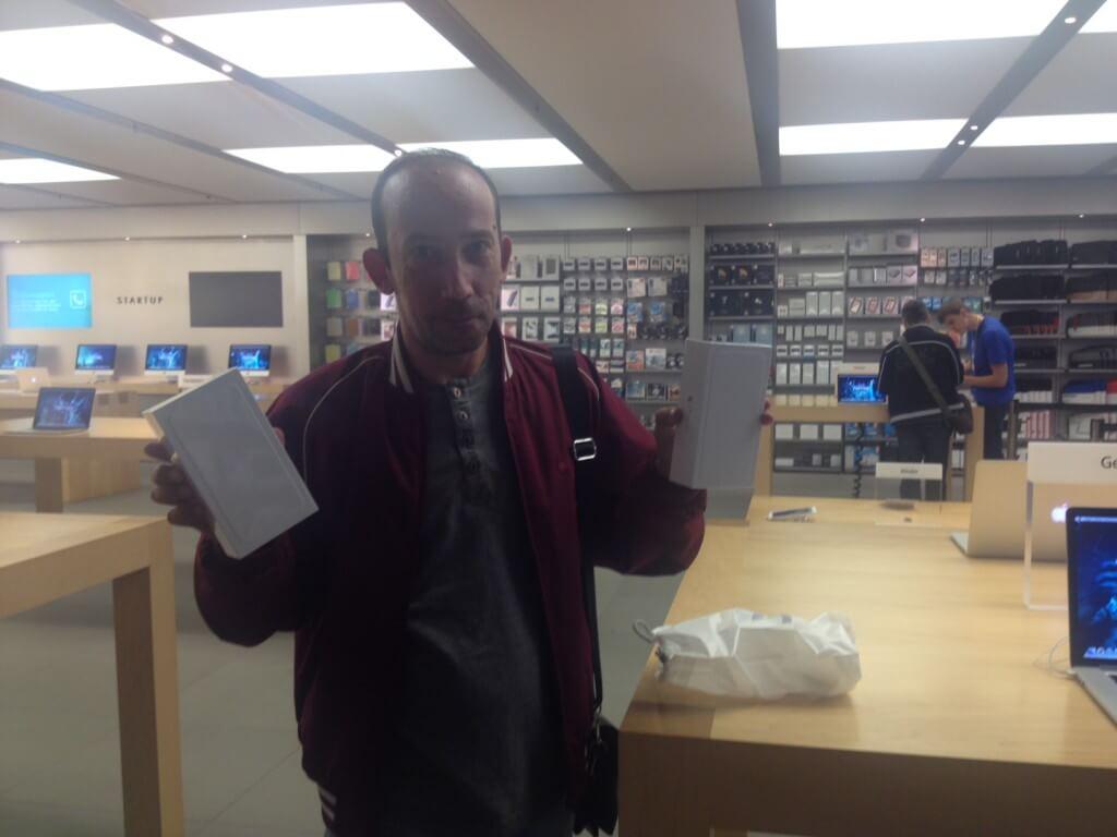 Два iPhone 6 Plus 128Gb Gold обошлись по 999 евро