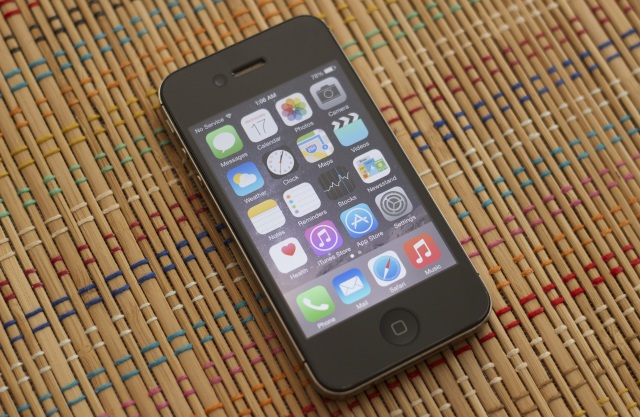 iPhone 4sнаiOS 8стал работать значительно медленнее