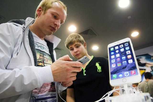 iPhone вРоссии продолжает оставаться вдефиците