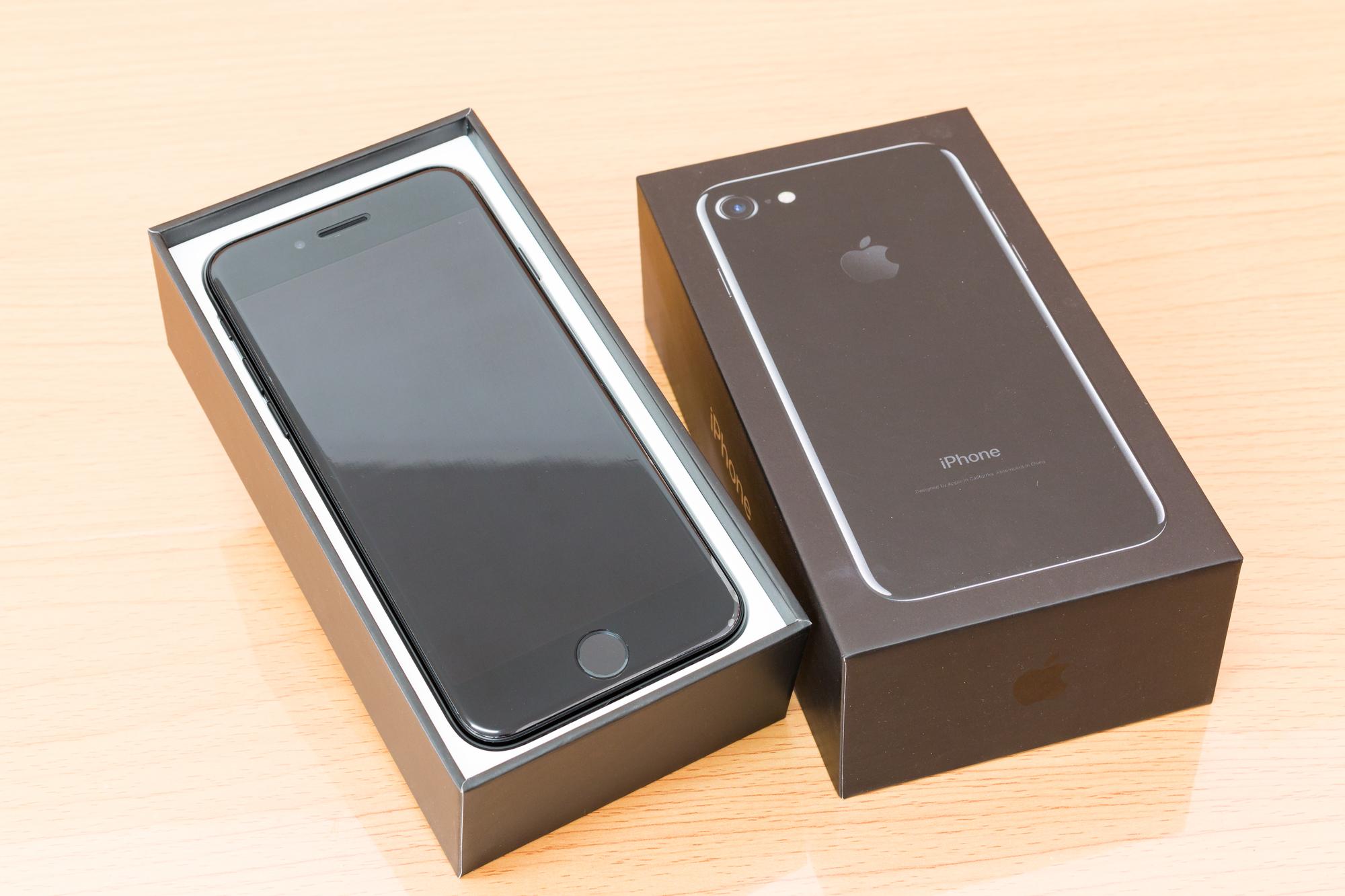 Apple iPhone 7 из коробки
