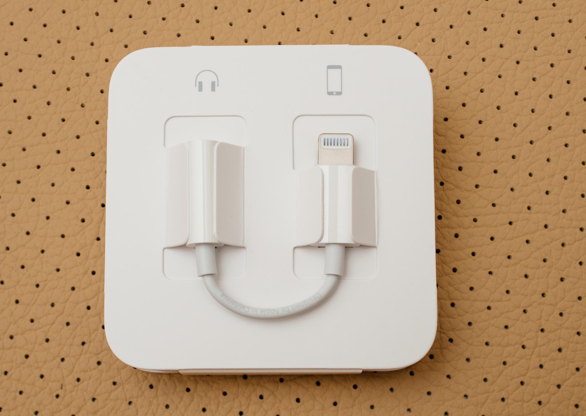 iPhone 7 переходник с lightning на разъем 3,5 дюйма