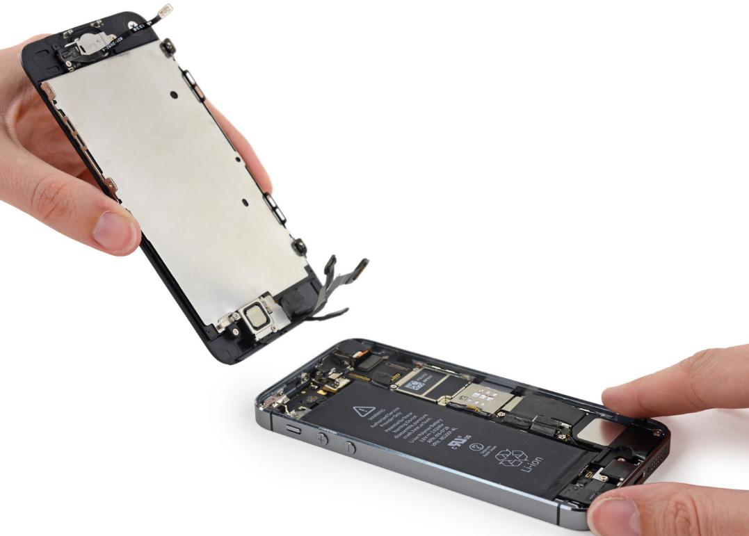 Как заменить аккумулятор на iPhone 5s (2)